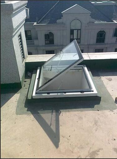 屋顶天窗对开窗器的选择