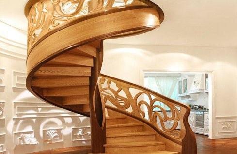 室内圆形水泥楼梯