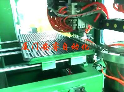 产品摆盘机工业产品摆放托盘后检测装配