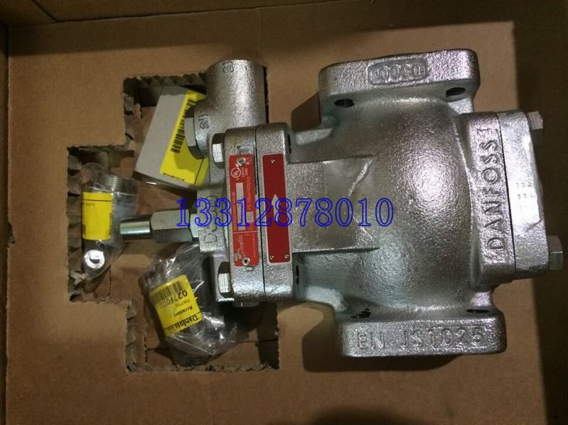 PMFH300丹佛斯液位调节装置的产品介绍 丹佛斯液位调节装置的概述:为了调节制冷,空调系统中的制冷剂液体的液位,丹佛斯公司提供了一套简单、可靠的装置。它包括一个由 SV型浮球导阀控制的PMFL或 PMFH型伺服控制主膨胀阀。PMFL和 SV用于蒸发器侧;PMFH和 SV用于冷凝器侧;(适用于氨或氟化物制冷系统 )PMFL和 PMFH可以使用在下列设备的制冷剂 供液管路上: 蒸发器 气液分离器 中间冷却器 冷凝器 储液器 PMFH300液位调节阀能给出一个制冷剂喷射量,它和实际容量成正比。这意味着阀门提供