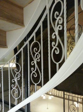 【欧式白色铁艺楼梯】价格