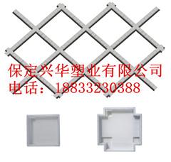 新型钢丝网立柱钢模具、铁丝网立柱钢模具、铁丝防护网立柱钢模具