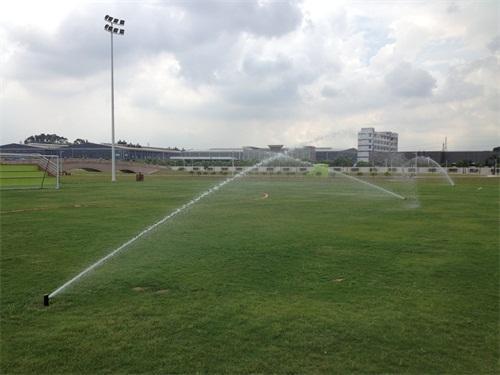 施工,维修;高尔夫球场,足球场,运动场及其它绿地的自动喷灌工程设计