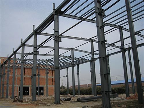 钢结构仓库的应用 钢结构在发达国家已基本取代传统的钢筋混凝土.