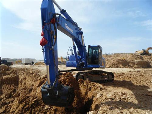 小型全液压挖掘机|全液压挖掘机|山东鑫磊机械(查看)