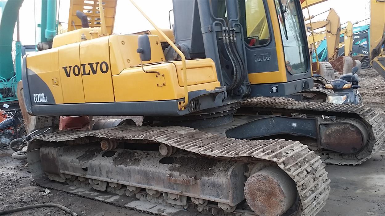 中型沃尔沃挖掘机,EC210,现车包送