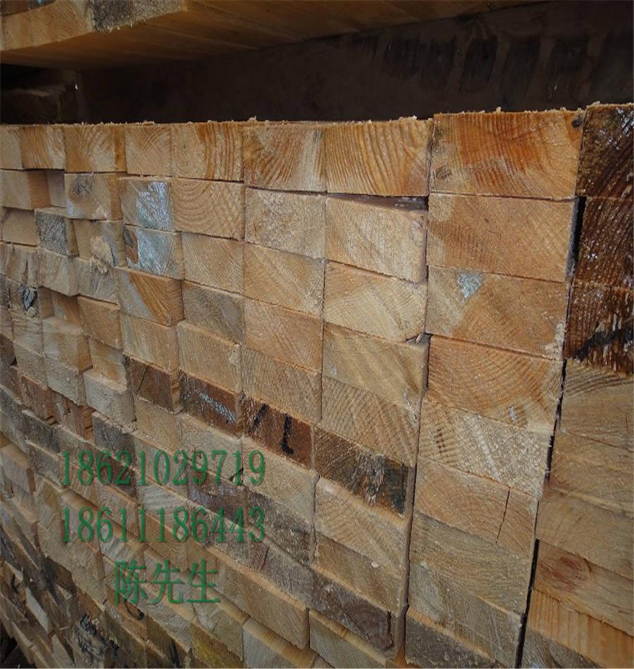 辐射松木方建筑一级辐射松板材工地施工专业