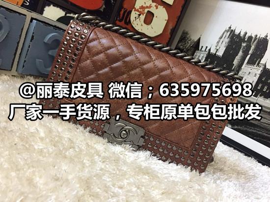 精仿奢侈品LV女士手袋LV原版皮原单斜挎