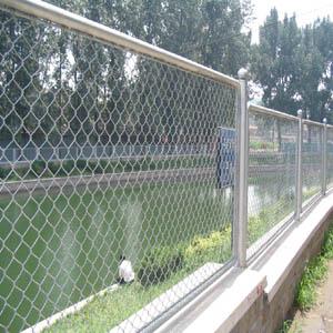 供西宁铁路护栏网和青海护栏网详情