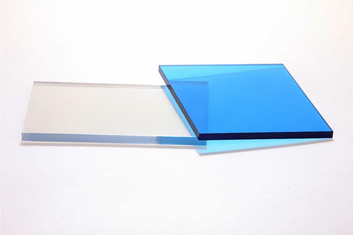 pc耐力板厂家扬州亚威产品名称:PC(聚碳酸酯)具有机械强度高和极高的抗冲击韧性以及高玻璃化转化温度,以及耐热不变形能力,工作温度范围从零下150度到120度。主要特性:机械强度高、耐蠕变性能好、即使在低温下,具有非常高的抗冲击强度;在较大温度范围内具有刚性保持力;抗能量射线、良好的电气绝缘性、非常好的尺寸稳定性、半透明性、生理惰性、适宜与食品接触。应用领域:仪表检视盘,管道系统,保险玻璃,书写垫板,幻灯投影器材部件,广泛应用于机械,电子,汽车,建筑,生活用品等领域,而且正迅速扩展到航空,航天,电子计算机