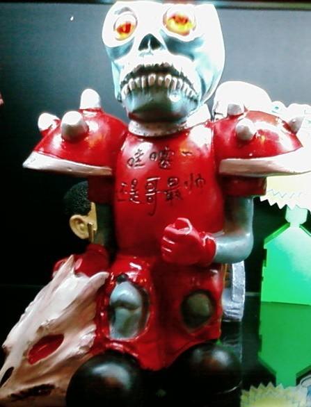 稀奇古怪玩具店不遗余力打击骗子 广受市场