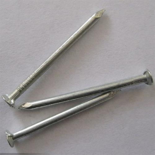 如何固定牢固用铁钉还是木螺钉