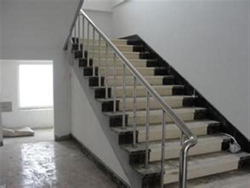 实木楼梯扶手的外形主要有磨菇形