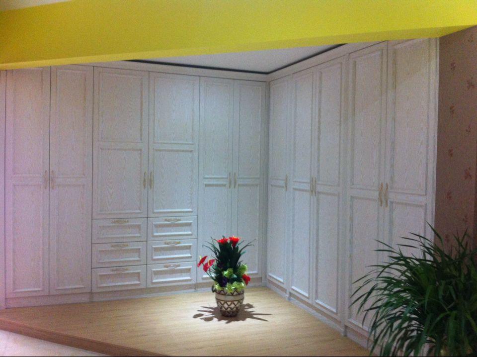 首页> 家居用品 柜类 橱柜 >实木包覆线条 亚克力板厂家 郑州高夫实业