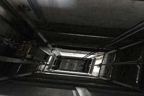 4,提供三相五线动力电及照明电源至控制柜.