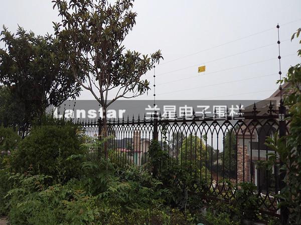 LX-2018C8W无线防剪型电子围栏