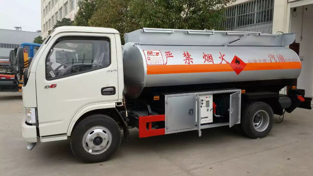 郑州洒水车油罐车生产厂家今日现车资源