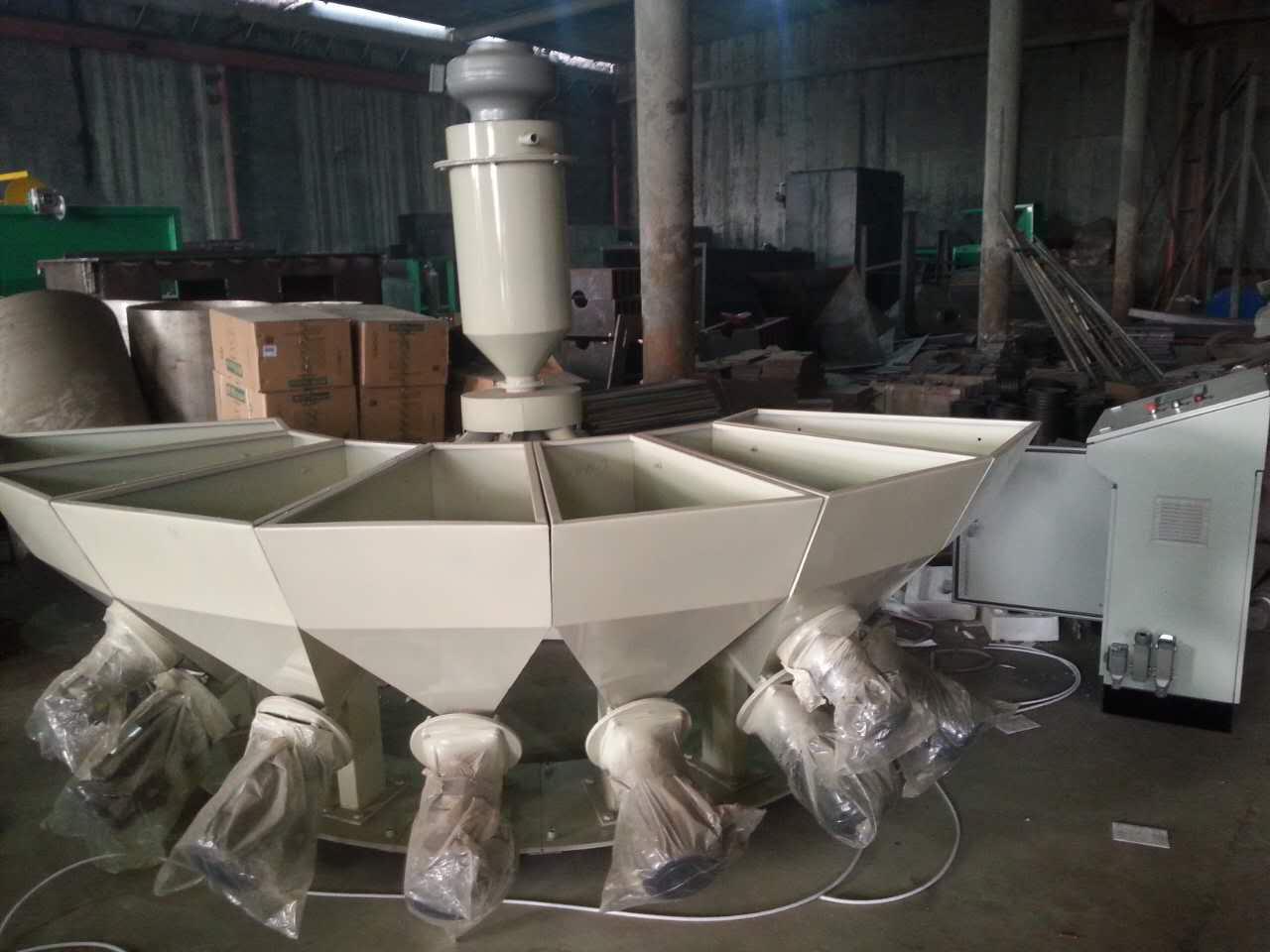 PVC扣板厂配小料专用小料机