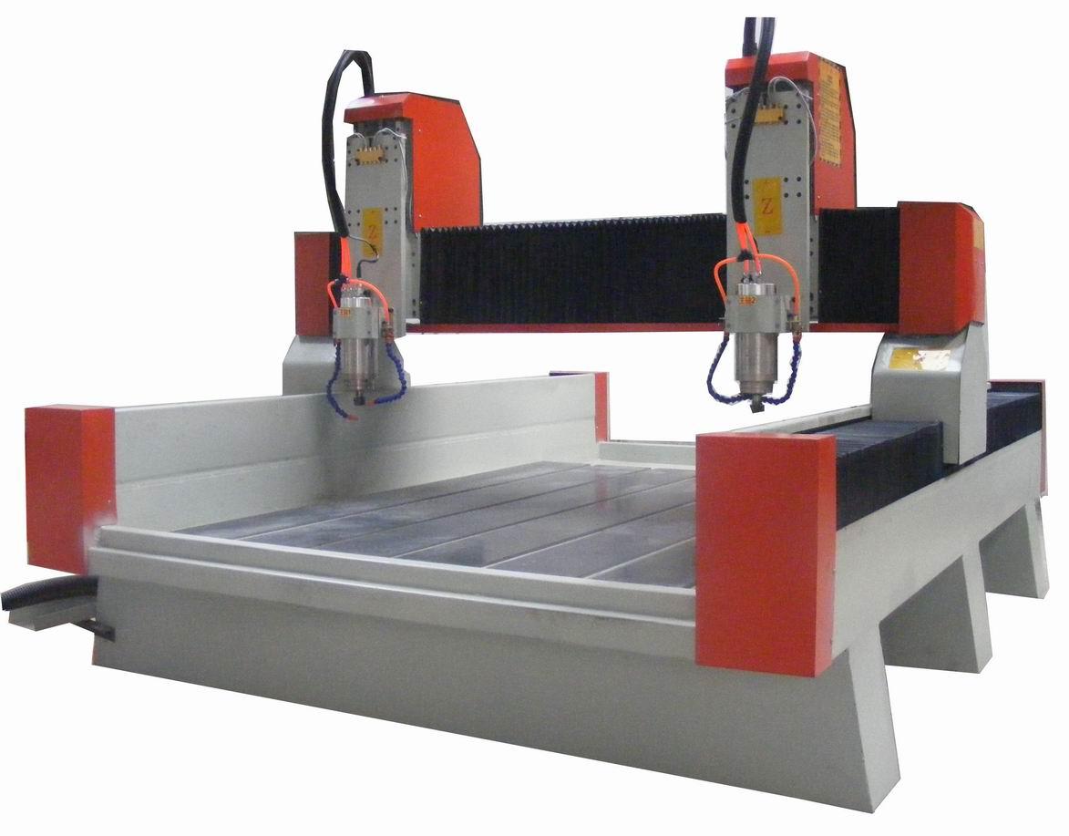 双头木工雕刻机最新价格由济南天马机器提供 TM-1325双头木工雕刻机 厂家热线:15764119788(微信) QQ:3196362264 联系人:张经理 1、双主轴雕刻:在同样图案上可进行双主轴同时工作,极大提高了板材加工速度,同样时间完成两台设备的工作效率,在某些加工量不大的情况下,也可实现单主轴独立工作,有效合理的控制生产成本。 2、批量加工时,产品一致性好、品质高。 3、整体钢结构焊接回火时效处理,坚固不变形。龙门式移动,工作台面固定,可任意加工工作台面上的材料。 4、机床Y轴采用齿条双驱,可以