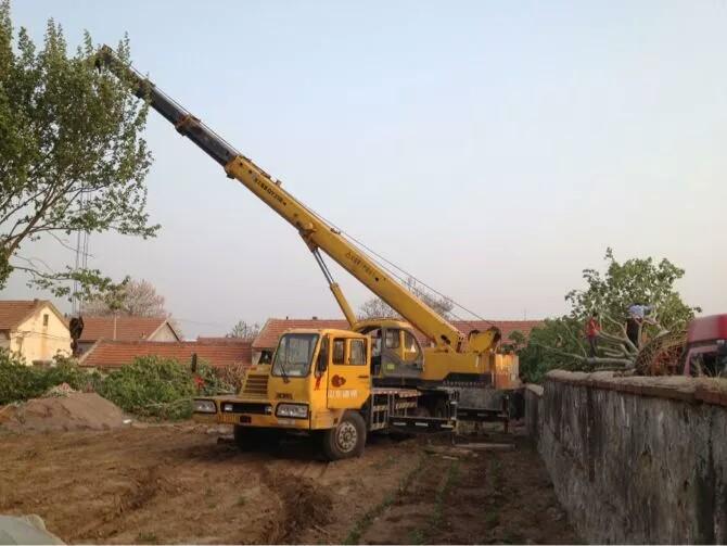 青浦50吨汽车吊出租大件吊装、华新镇3-15叉车出租装卸公司