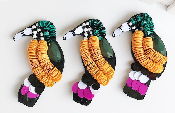 手工亮片彩珠啄木鸟胸针 卡通装饰布贴 个性创意装饰布贴厂家直销