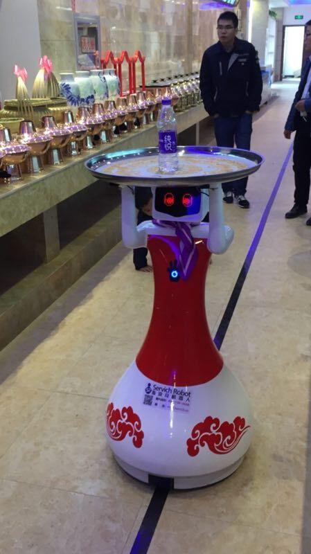 斯锐奇包厢送餐机器人