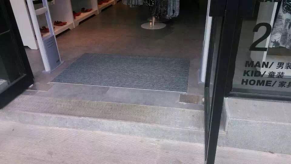 铝合金防滑地毯特点及功能