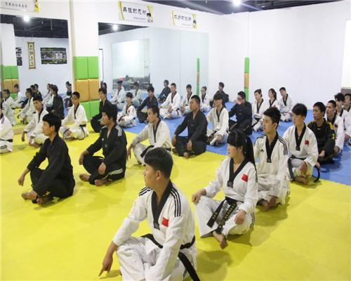 山西跆拳道培训、跆拳道培训、育英会跆拳道(图)