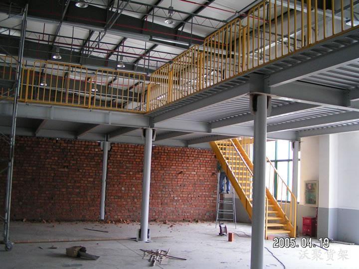 阁楼阳光房楼梯设计施工
