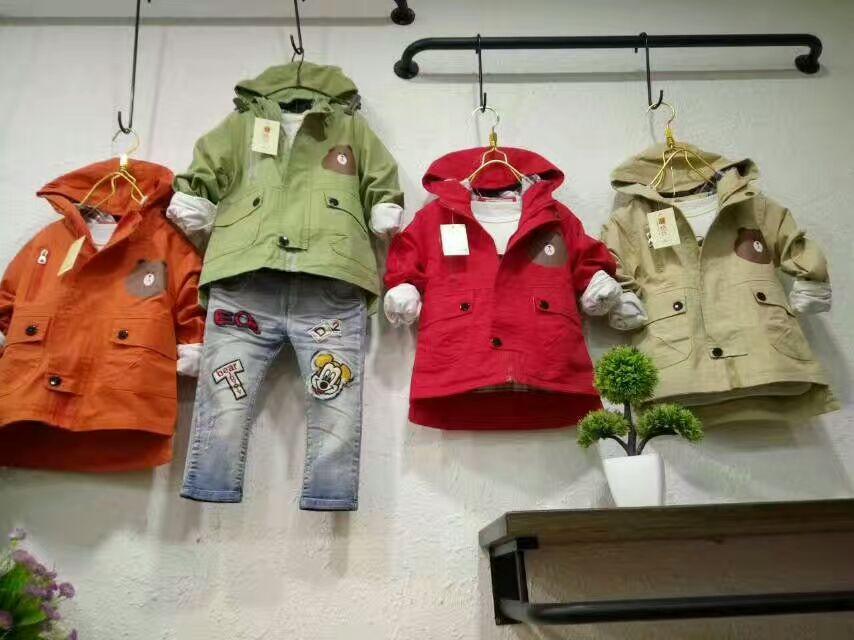 成都荷花池特价跳楼货童装精品批发在哪里 开店商场吼货夜市服装货源