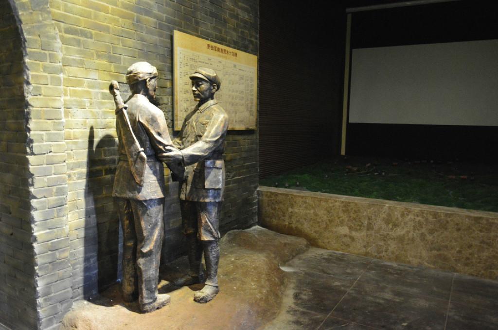 博物馆展柜的生产与定制和设计以及设计