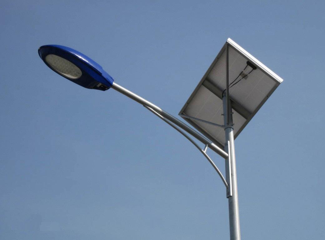 江苏弘光照明公司专业生产7米太阳能路灯