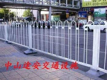 道路护栏生产厂家 常规护栏京式护栏防眩光护栏生产厂家