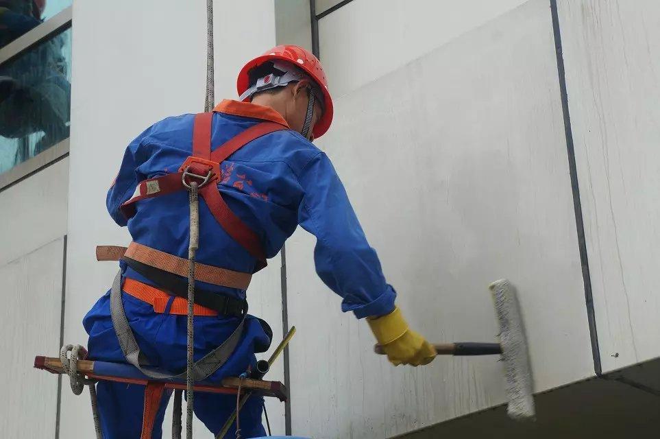 郑州外墙清洗公司