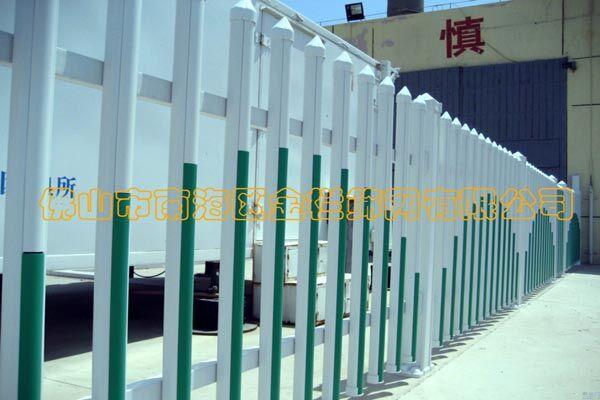 供应厂家直销PVC护栏