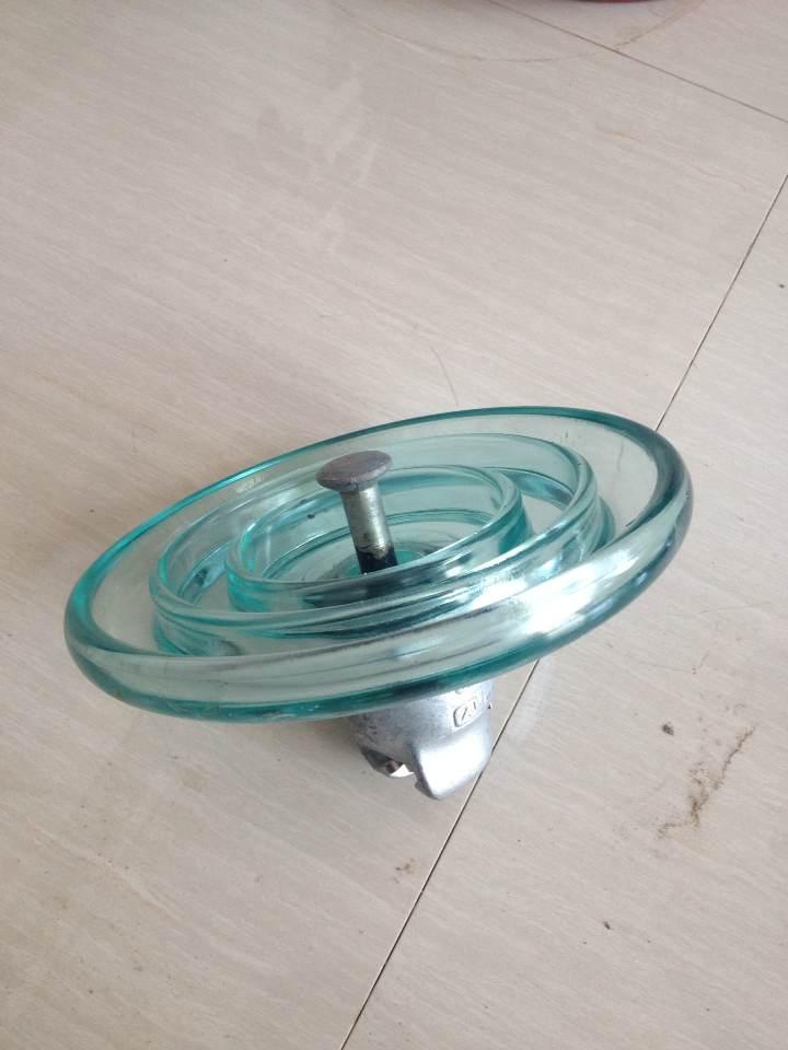 热销70KN标准型钢化玻璃绝缘子,高品质,低价格经久耐用