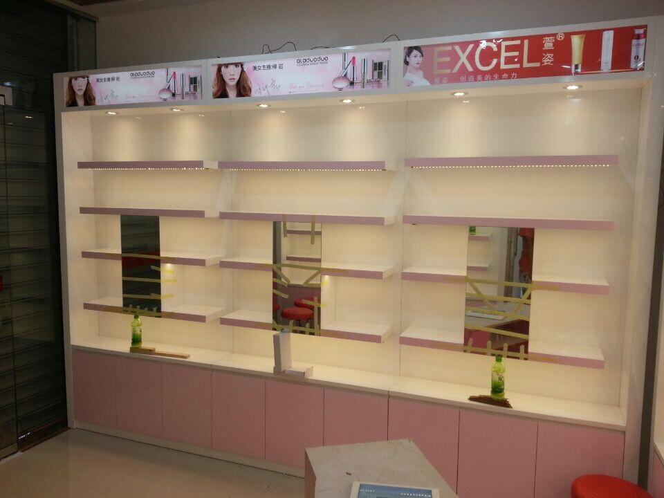 南昌展柜,最专业的的南昌化妆品展柜定做,江西展柜厂