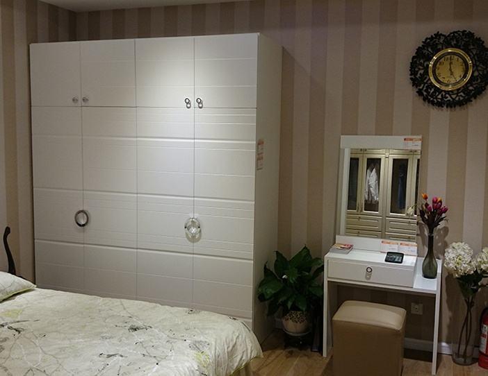 自然又环保 成都小蜗置家板式简约现代衣柜供应