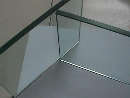 广州办公钢化玻璃隔断一般多少钱一平方