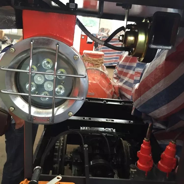 DGY12/110L电机车照明灯