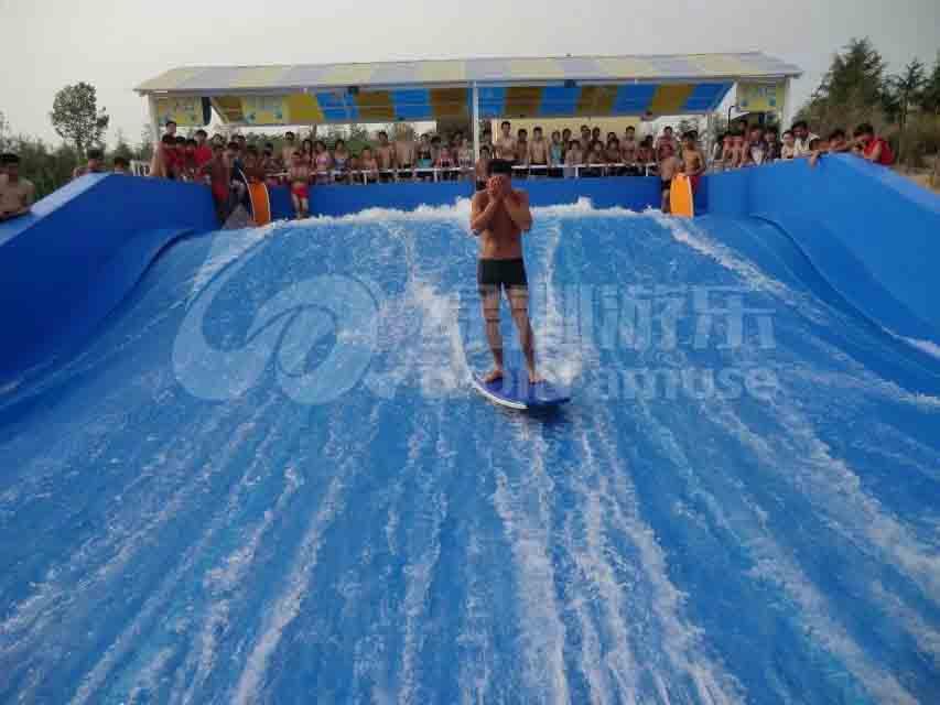 绿沁游乐设备:滑板冲浪厂家