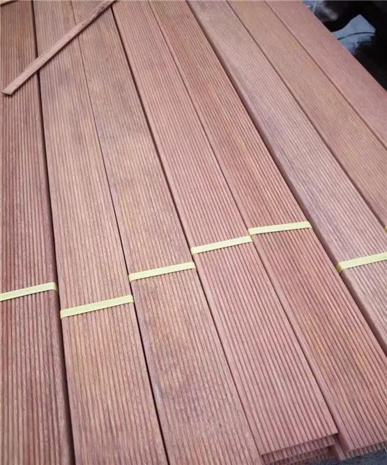 菠萝格厂家供应-木地板/木栈道/木围栏,价格优