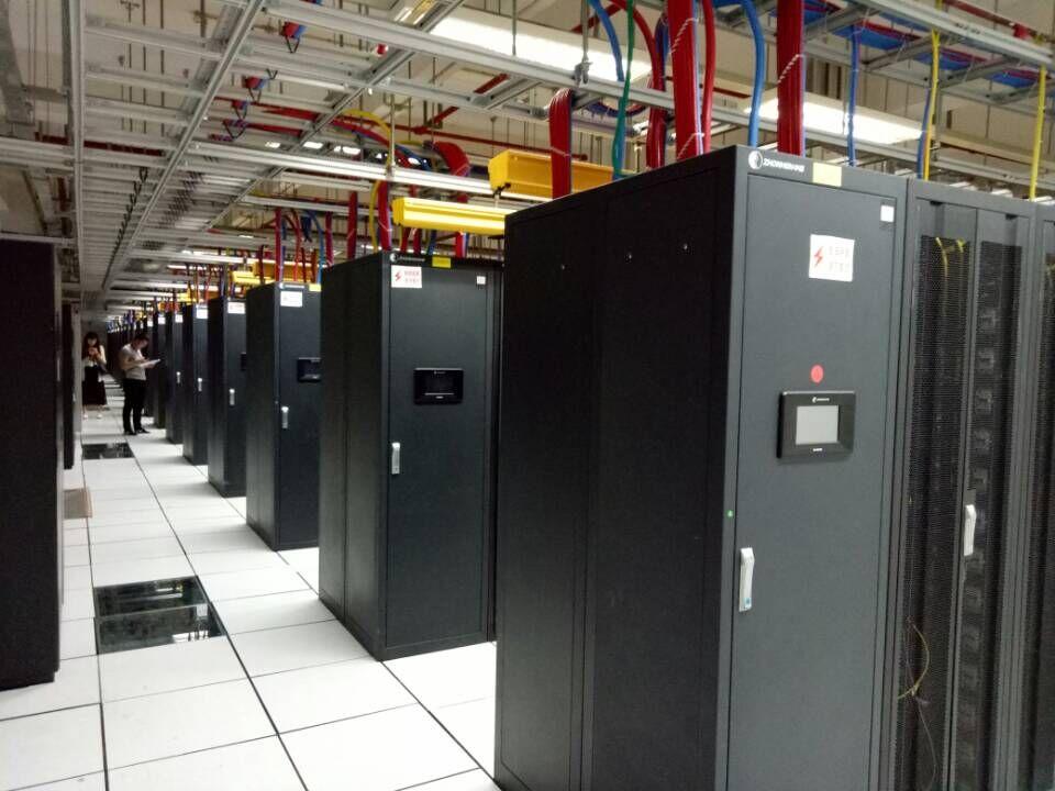 国内域名翻墙免备案服务器,301跳转,高防盾机布线,不限制内容