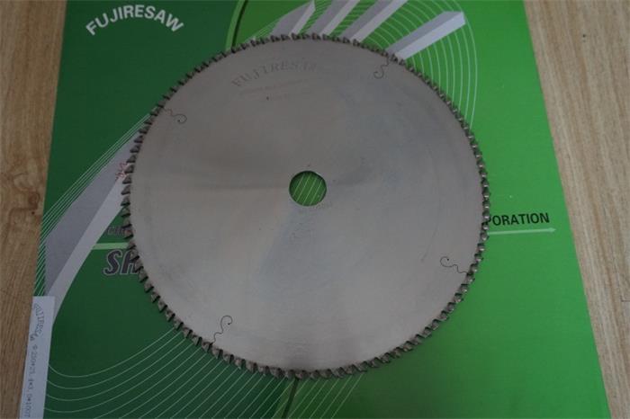 厂家直销切铝锯片 硬质合金锯片 切面无毛刺