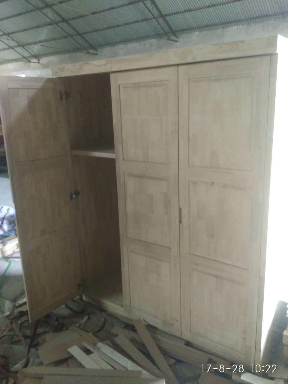 供应厂家直销实木烤漆衣柜可定制