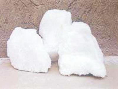 低钠白刚玉(钠含量小于0.1%)