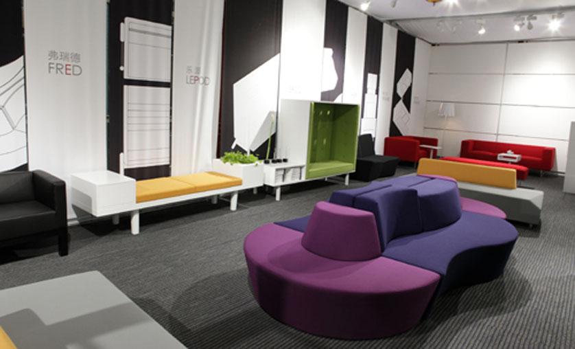 办公家具的简约实用和绿色环保