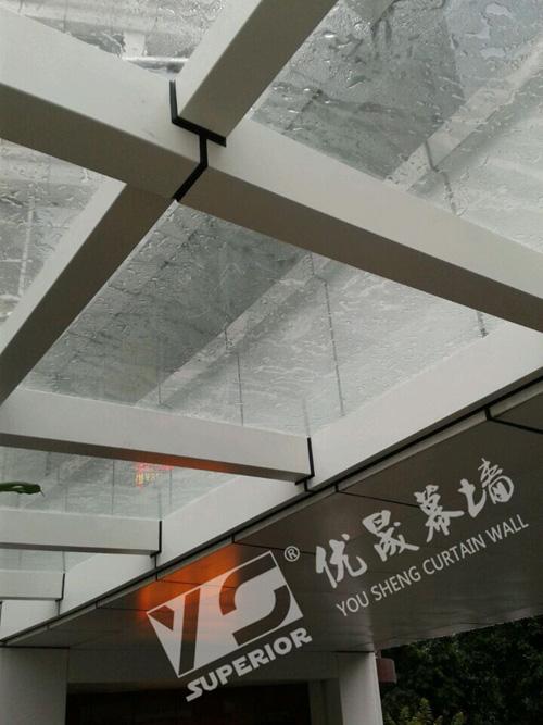 广州雨棚玻璃更换安装