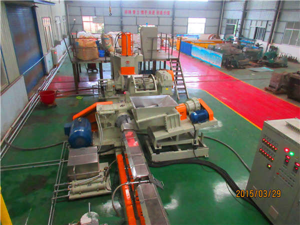 PP片材挤出机——江苏环保塑料机械厂家