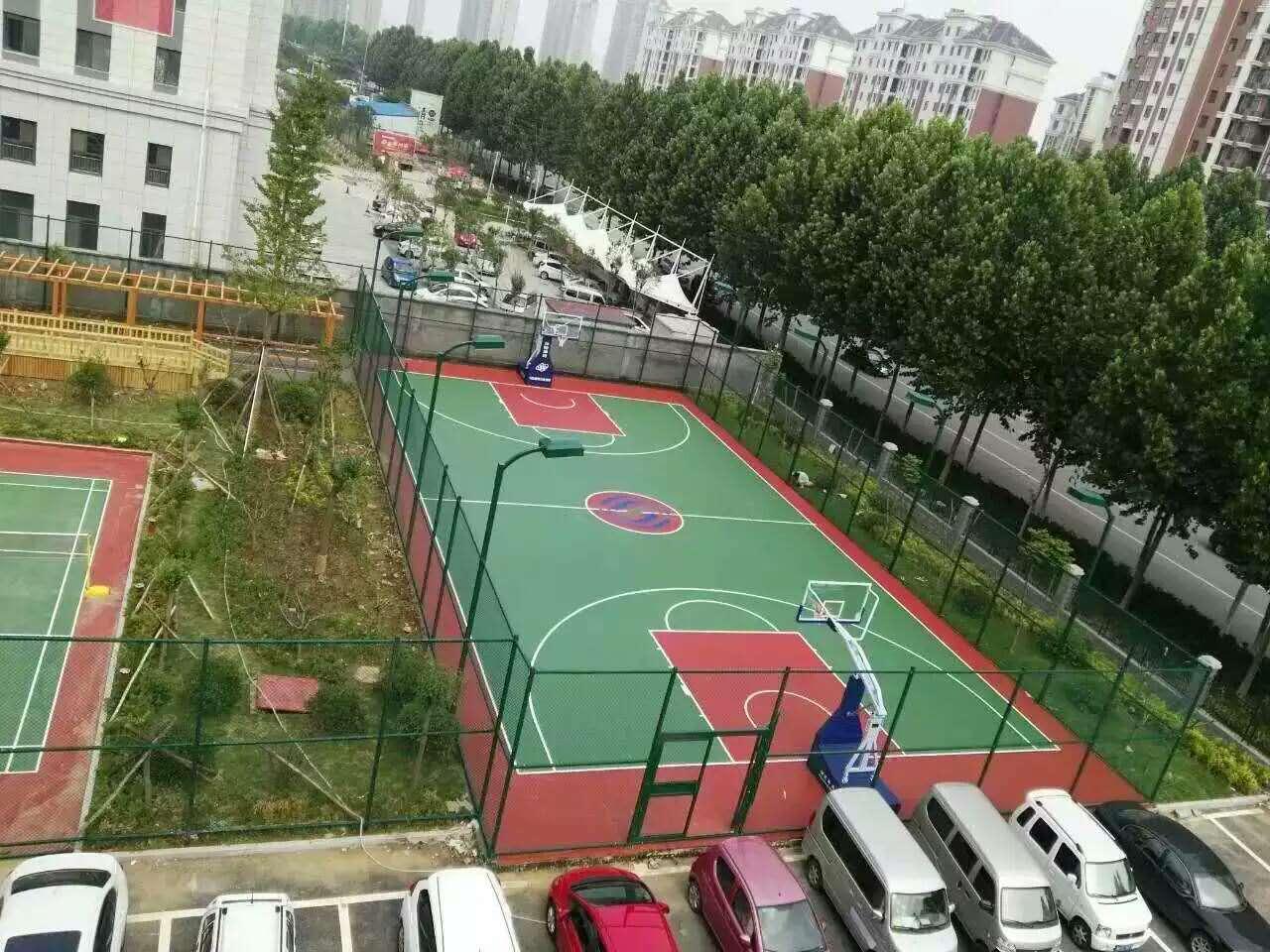 塑胶球场施工就来鸿源体育环保无毒无味